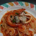 カニとシーフードのトマトソーススパゲッティ